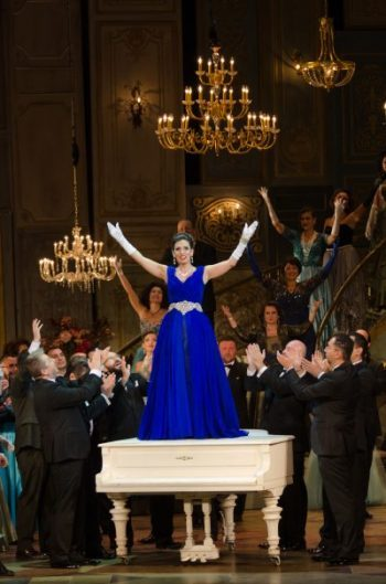 La-Traviata_zenoa.ro